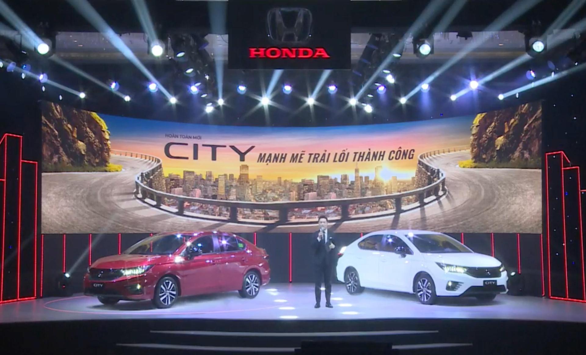 Soi 4 mẫu ô tô giá 300 – 500 triệu đồng nằm trong top xe ít ăn xăng nhất Việt Nam